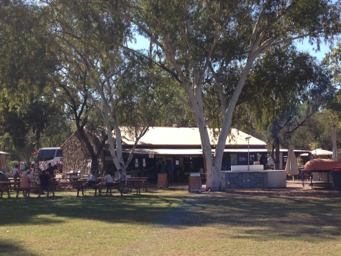 Checking in at the El Questro Wilderness Park. This is a lively place to meet up with fellow travelers, especially on a Friday night to have a drink and listen to some local music.
